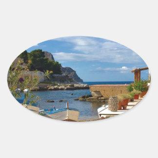 Sticker Ovale Le village de pêche sicilien
