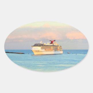 Sticker Ovale Lever de soleil en pastel avec le bateau de