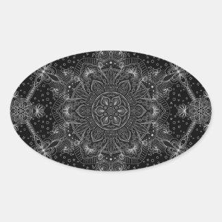 Sticker Ovale Mandala oriental de zen noir et blanc