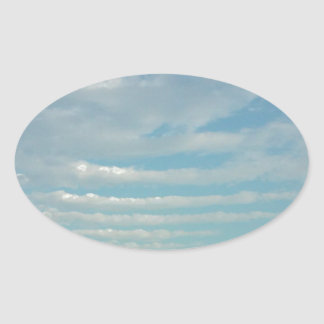 Sticker Ovale nuages d'ondulation de ciel bleu