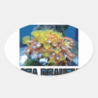 Sticker Ovale pile de beauté de mer