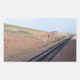 Sticker Rectangulaire Chambre de station le long de chemin de fer de