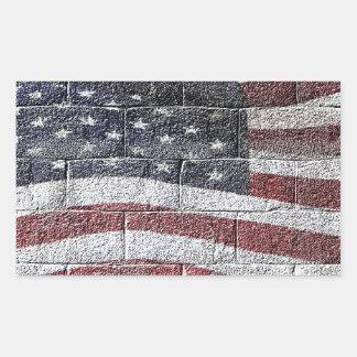 Sticker Rectangulaire Drapeau américain peint sur la texture de mur de