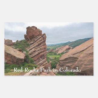 Sticker Rectangulaire Formations et chaînes de roche entourant les