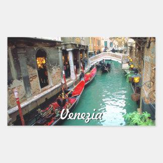 Sticker Rectangulaire Gondoles sur un petit canal à Venise