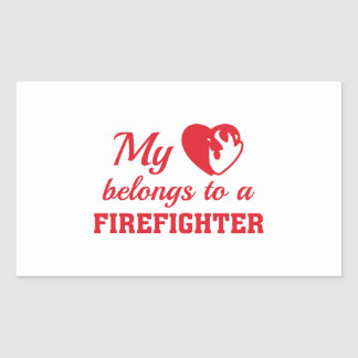 Sticker Rectangulaire Le coeur appartient sapeur-pompier