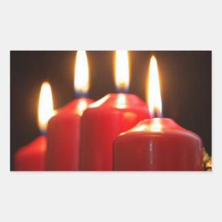 Sticker Rectangulaire Les bougies rouges d'un avènement tressent avec