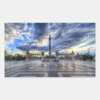 Sticker Rectangulaire Les héros ajustent le lever de soleil de Budapest