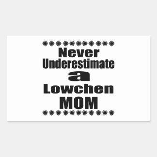 Sticker Rectangulaire Ne sous-estimez jamais la maman de Lowchen