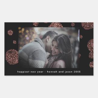 Sticker Rectangulaire Points roses d'or de Faux sur la photo noire de