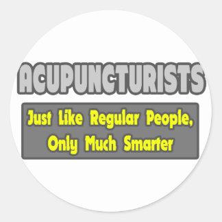Sticker Rond Acupuncteurs. Plus futé
