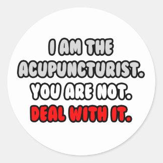 Sticker Rond Affaire avec elle… acupuncteur drôle
