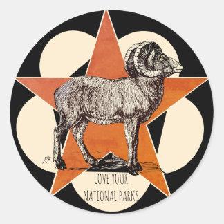 Sticker Rond Aimez votre RAM de montagne de parcs nationaux