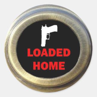 Sticker Rond Arme à feu soutenant la sécurité à la maison