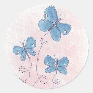 Sticker Rond Assez dans le papillon bleu rose