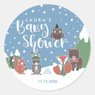 Sticker Rond Baby shower d'animaux de région boisée d'hiver