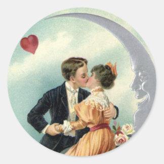 Sticker Rond Baiser victorien vintage de Saint-Valentin sur la