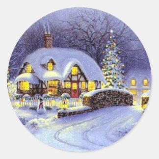 Sticker Rond Beau cottage d'hiver de Noël