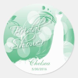 Sticker Rond Belle robe de mariée dans un vert et un blanc