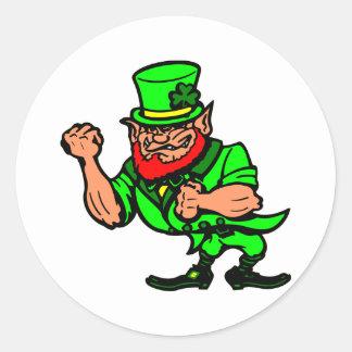 Sticker Rond Blanc combattant l'homme irlandais