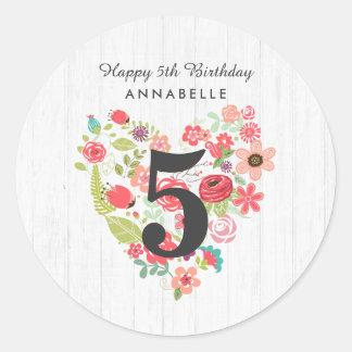 Sticker Rond Bois blanc chic et joyeux anniversaire floral
