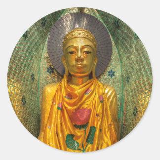 Sticker Rond Bouddha d'or dans le temple