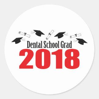 Sticker Rond Casquettes et diplômes du diplômé 2018 d'école