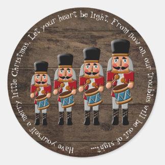 Sticker Rond Casse-noix en bois rustique de Noël de pays