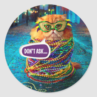 Sticker Rond Chat drôle avec les perles colorées au mardi gras