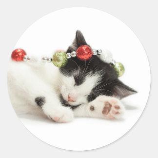Sticker Rond Chaton de matin de Noël