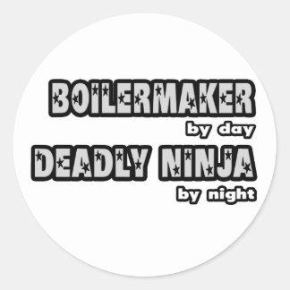 Sticker Rond Chaudronnier par le jour… extrêmement Ninja par