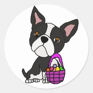 Sticker Rond Chien drôle de Boston Terrier avec le panier de