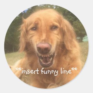 Sticker Rond Chien maladroitement de sourire personnalisable