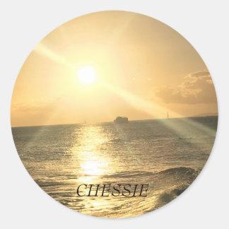 Sticker Rond Coucher du soleil tropical de plage avec de belles