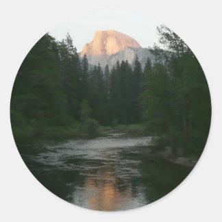 Sticker Rond Demi de coucher du soleil de dôme en parc national
