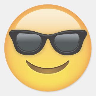 Sticker Rond Emoji avec des lunettes de soleil