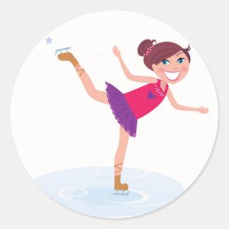 Sticker Rond Enfant de patinage de glace sur le blanc