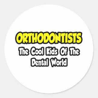 Sticker Rond Enfants frais d'orthodontistes… de monde dentaire