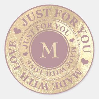 Sticker Rond Fait avec le pourpre lumineux d'or de monogramme
