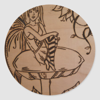 Sticker Rond Fée sur un champignon