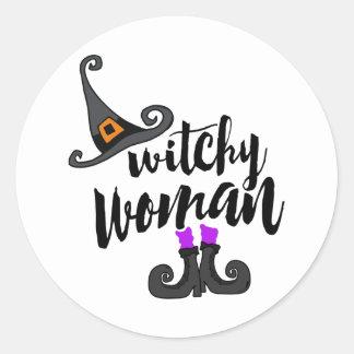 Sticker Rond Femme lunatique Halloween de Witchy