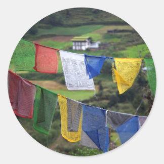 Sticker Rond Fermez-vous des drapeaux de prière