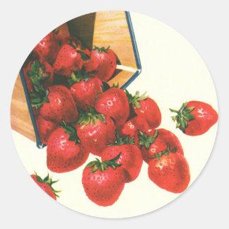 Sticker Rond Fraises vintages dans le panier, baies de fruit de