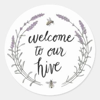 Sticker Rond Heureux à la maison d'abeille exprime l'accueil