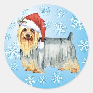Sticker Rond Howlidays heureux Terrier soyeux