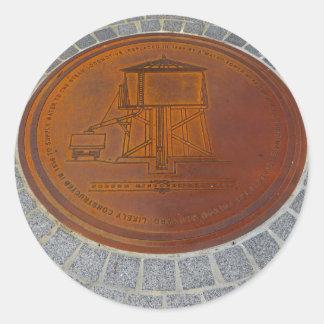 Sticker Rond Icônes de Folsom : Couverture de trou d'homme