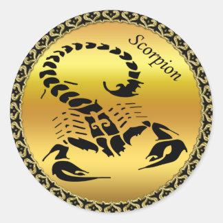Sticker Rond Insecte très venimeux toxique de scorpion d'or