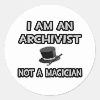 Sticker Rond Je suis un archiviste… pas un magicien