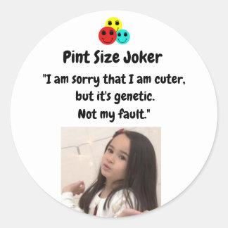 Sticker Rond Joker de taille de pinte : Gentillesse génétique