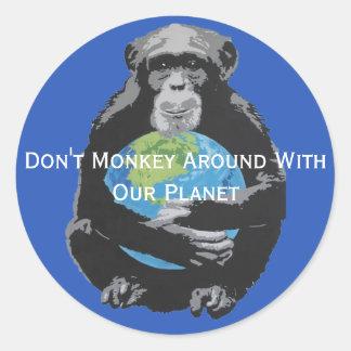 Sticker Rond La coutume pas monkey autour avec notre